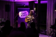 «stadtklang» Konzert mit Bee Bakare @ Crowne Plaza Düsseldorf/Neuss